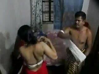 भाग 1. नौकरानी के छिपे हुए हिंदी में सेक्सी मूवी वीडियो में कैम मुझे मालिश दे रहे हैं
