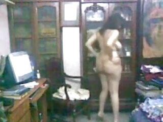 भावुक एशियाई लड़की एक शानदार blowjob मूवी सेक्सी वीडियो में दिखा रहा है