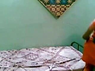 BBW अधिक सेक्सी वीडियो में हिंदी मूवी डिक बेकार है