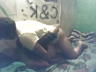 सेक्सी गोरा डोमेट्रिक्स को दो सेक्सी वीडियो में हिंदी मूवी कोड़े लगते हैं