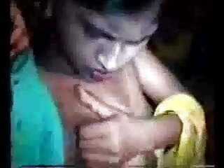 आकर्षक गधा में ले जाता है और भी सेक्सी मूवी फिल्म हिंदी में बहुत हो जाता है!
