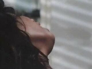 टुटो बेने? सेक्सी मूवी हिंदी में वीडियो