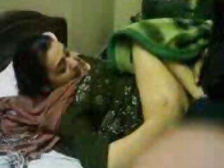 एक आदमी हिंदी में फुल सेक्सी मूवी मिलिंग