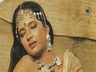 पुराने बेब हिंदी सेक्सी मूवी वीडियो में कमबख्त और चूसने एक पुराने मुर्गा सह ले रहा है