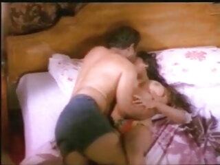 छोटे saggy स्तन मूवी सेक्सी हिंदी में वीडियो और आदमी के साथ सौतेली माँ