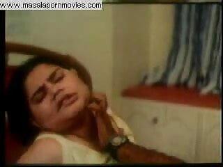सिमरन ने सलवार कमीज उतार दिया और जन्मदिन पर एन लंड को संतुष्ट सेक्सी वीडियो में हिंदी मूवी किया