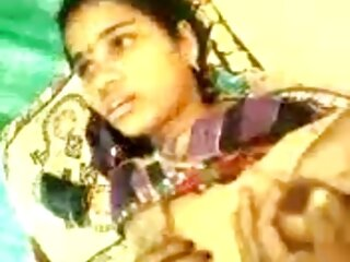 2 गर्म सेक्सी वीडियो हिंदी मूवी में